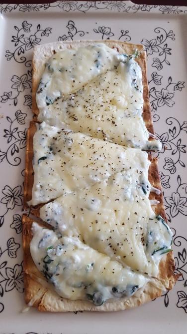 ricotta spinach flatbread